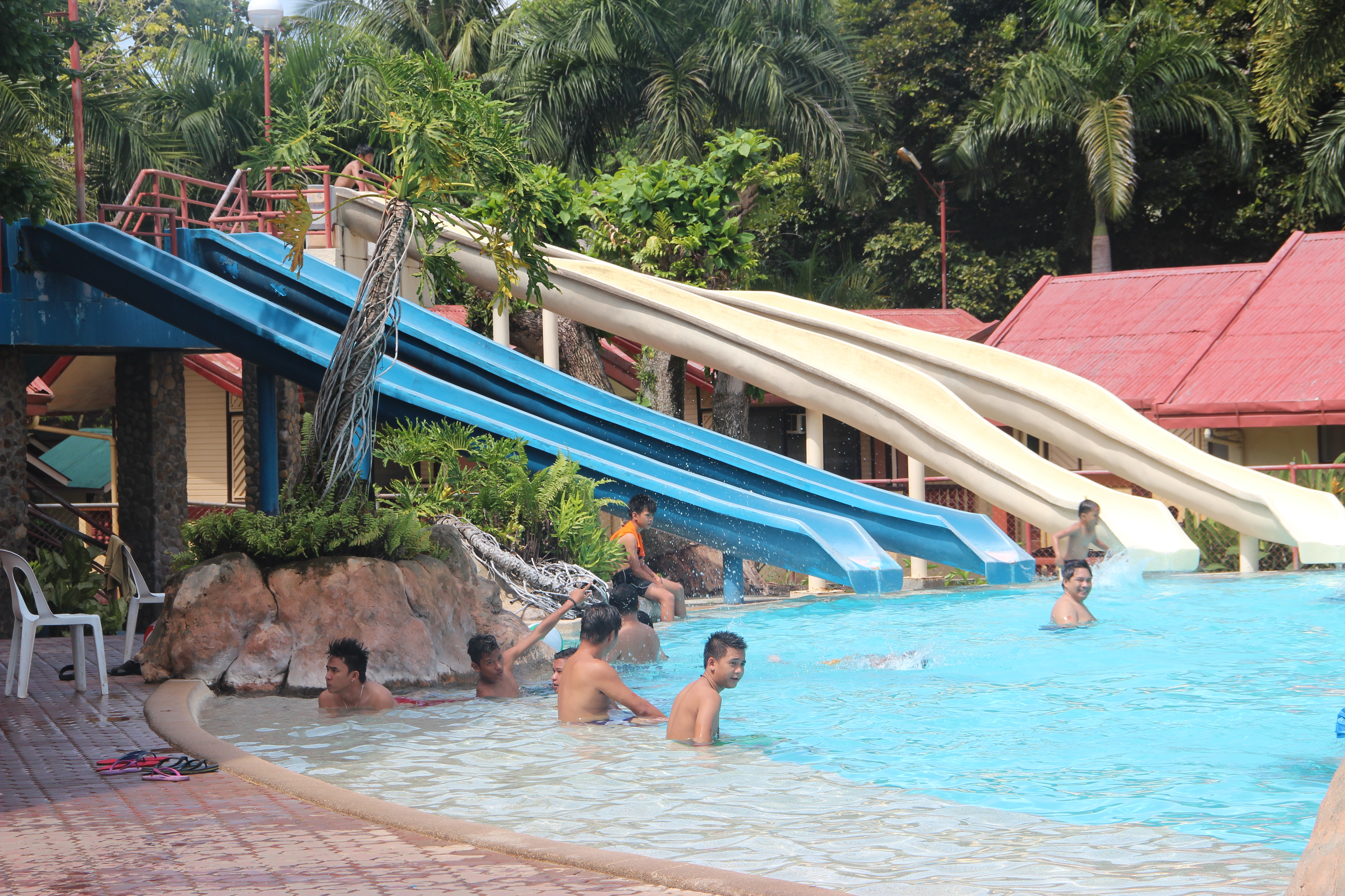 Mergrande beach resort davao city christine 39 s adventures - Apartelle in davao city with swimming pool ...