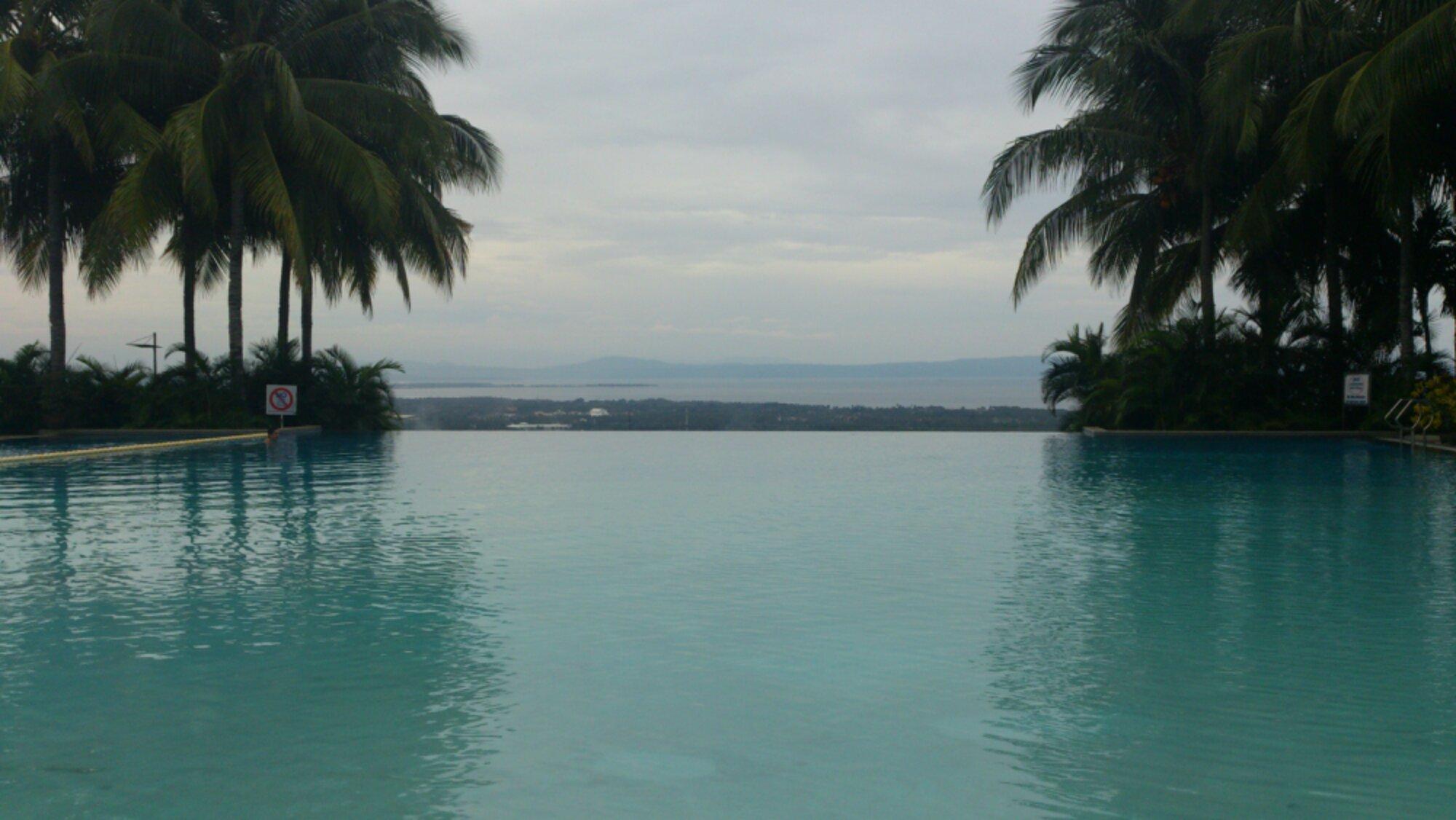 Villa de Mercedes Infinity pool davao